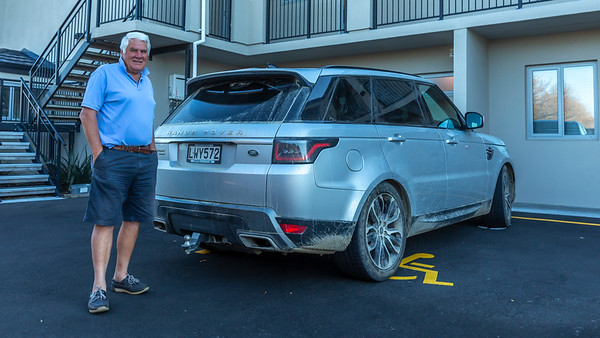 20210505 4WD - Graham before cleaning his RangeRover - Johns _JM_3457