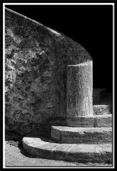 Treppenaufgang zum Schloß in Lauris, Provence