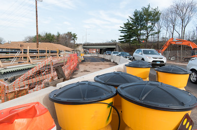 040116   Wesley Bunnell | Staff  Construction on West Main St near the intersection with Burritt St.