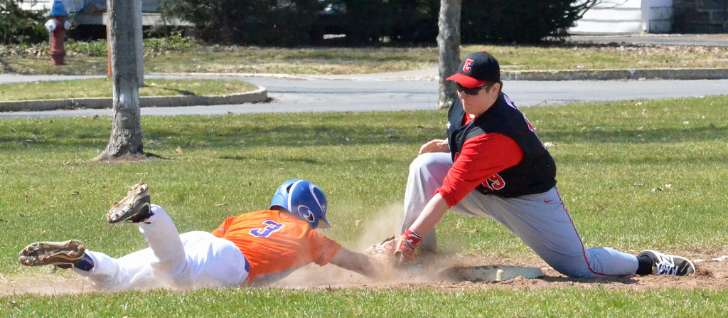 . KYLE MENNIG - ONEIDA DAILY DISPATCH Chittenango\'s Joseph Mosack (19) tags Oneida\'s Vin Leibl (3) out at third during their game in Rome on Sunday, April 9, 2017.