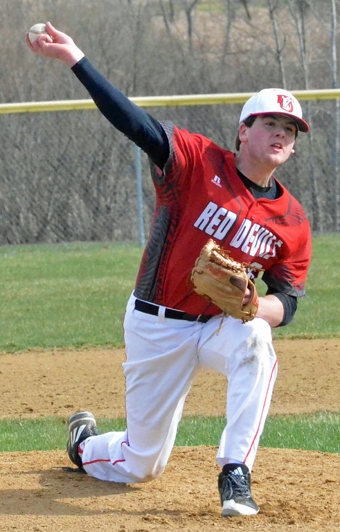 . KYLE MENNIG � ONEIDA DAILY DISPATCH Vernon-Verona-Sherrill\'s Andrew Roden (18) delivers a pitch to an Oneida batter during their game in Verona on Thursday, April 13, 2017.