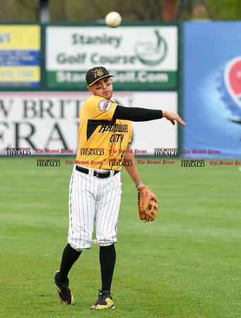 042717 Wesley Bunnell | Staff The New Britain Bees vs the Lancaster Barnstormers played on Thursday evening. Steve Carillo (4) warms up before the game.