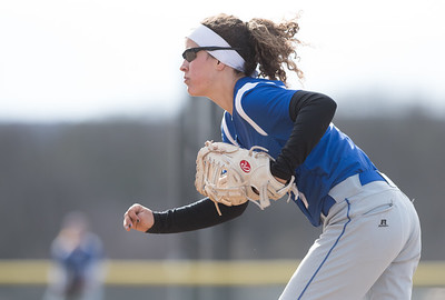 04/09/18  Wesley Bunnell | Staff  Southington softball defeated Bristol Eastern 6-1 at Southington High School on Monday afternoon. Lauren Aparo (7)