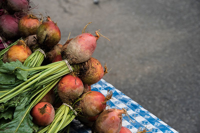 Beets on a Farmers' Market table make for a pretty picture. [BIll Giduz photo]
