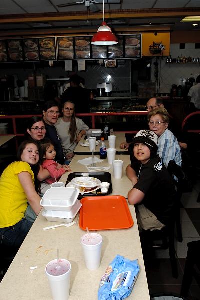 4/7/07 Abraira's eating it up at Roberto's Taco Shop