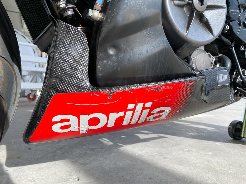 Aprilia Tuono Racing -  (10)