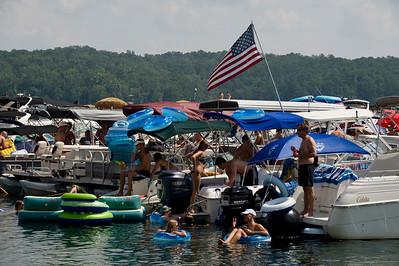Raft up 718