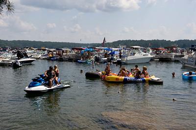 Raft up 727