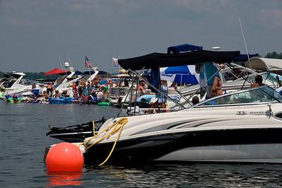 Raft up 729