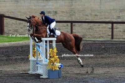 Equestrian NRR_5296 PE