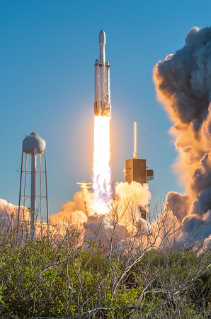 Falcon Heavy launches Arabsat-6A (2019-04-11)