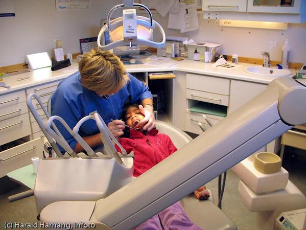 Tannhelsetjeneste, den offentlige tannhelsetjenesten.