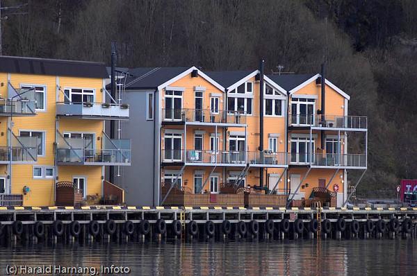 Tidligere Arnøybrygga, nå boliger.