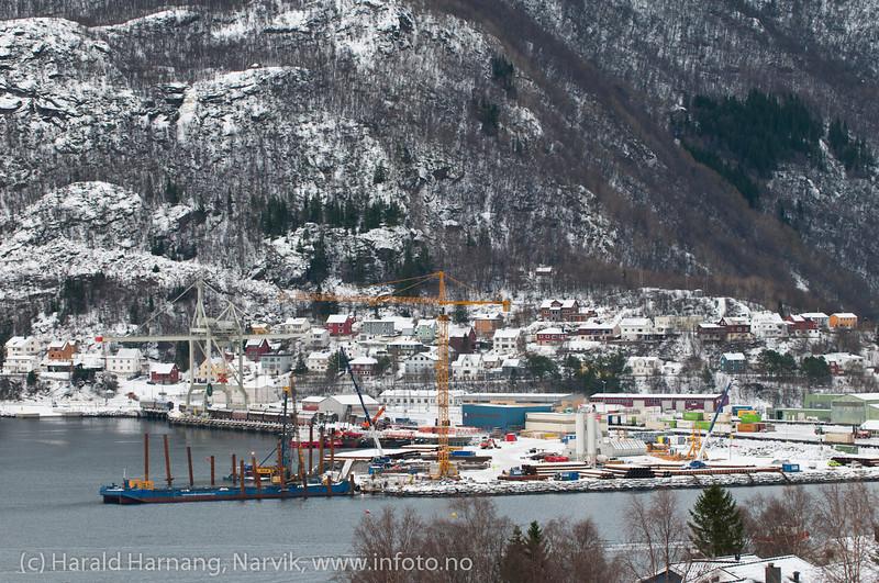 PEAB bygger malmutsikpningskai for Northland Ressources. Ferdig til påske 2013. Foto: 18. februar 2012. Northland Resources shipping facilities in Narvik under construction.