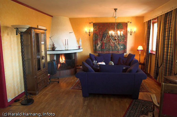 Narvik Hotell, rom med relaxavdeling. <br /> Kongensgt. 36 - 8502 Narvik, Tel.: +47 76 97 79 50,  firmapost@narvikhotel.no