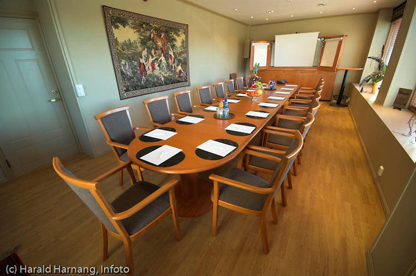 Narvik Hotell, konferanserom.<br /> Kongensgt. 36 - 8502 Narvik, Tel.: +47 76 97 79 50,  firmapost@narvikhotel.no