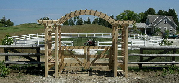 275849 - Shelburne VT - Custom Arbor with Gate