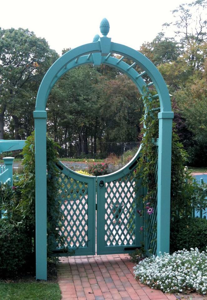 286 - Lloyd Harbor NY - Custom Arbor with Victorian Lattice Gates