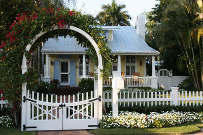 325878 - 95 - Naples FL - Chestnut Hill Gate & Arbor