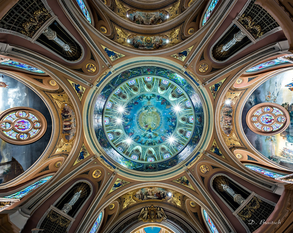 Our Lady of Victory Basilica, Central Dome