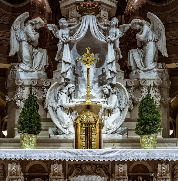 Our Lady of Victory Basilica, Tabernacle