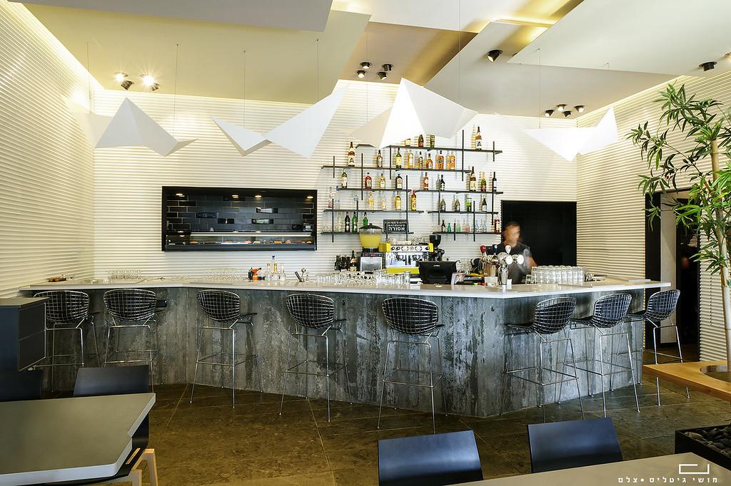 צילום עיצוב פנים: מסעדת ריבר ברעננה. עיצוב פנים: וי-סטודיו אדריכלים