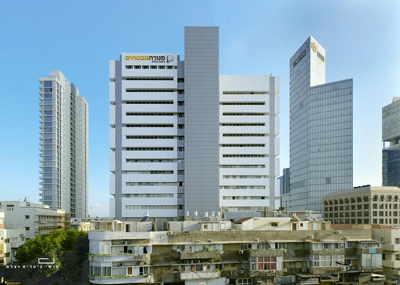 צילום אדריכלות: חיפויי אלומיניום וטרקוטה של קבוצת ענק. בניין מנורה מבטחים, תל-אביב