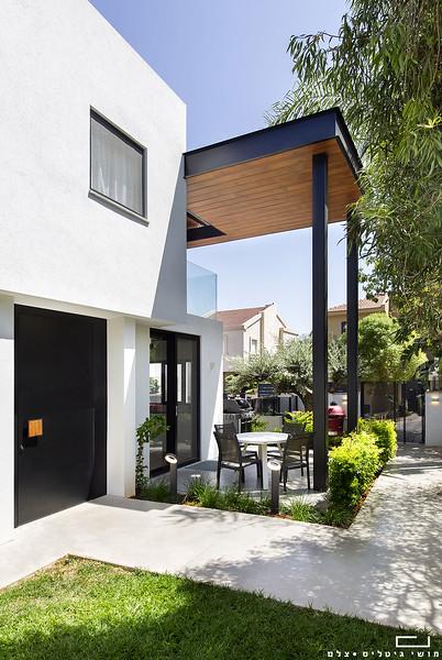 בית באזור השרון. אדריכלות: חמוטל אביטל
