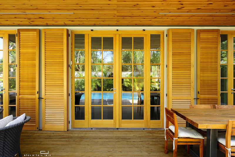 """צילום מוצר אדריכלי: דלתות, חלונות ותריסים של חברת טלבי בפרוייקט בראשל""""צ"""