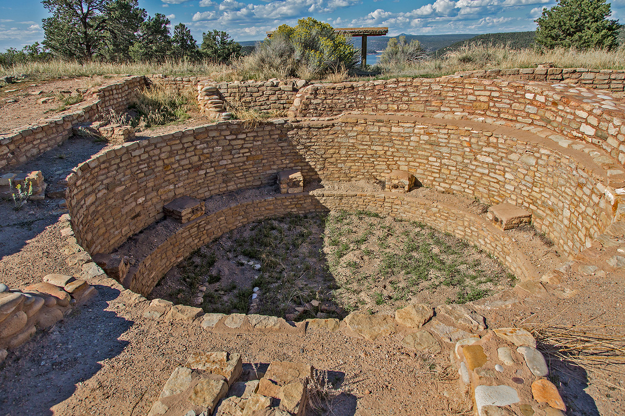 Just a short walk up a hill behind the museum is the Escalante Pueblo.It was originally built by the Anasazi people in 1129 C.E., at a time when Chaco Canyon was in decline. Abandoned nine years later, it was briefly reoccupied in 1150. The final occupation happened around 1200 C.E. This image is the kiva.