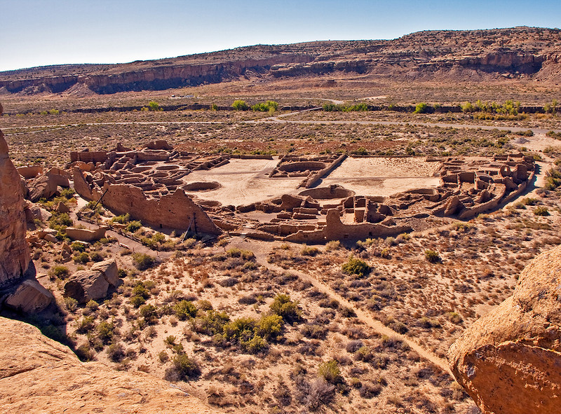 Now on the Pueblo Alto trail, we get a view the famous Chaco Canyon site, Pueblo Bonito.