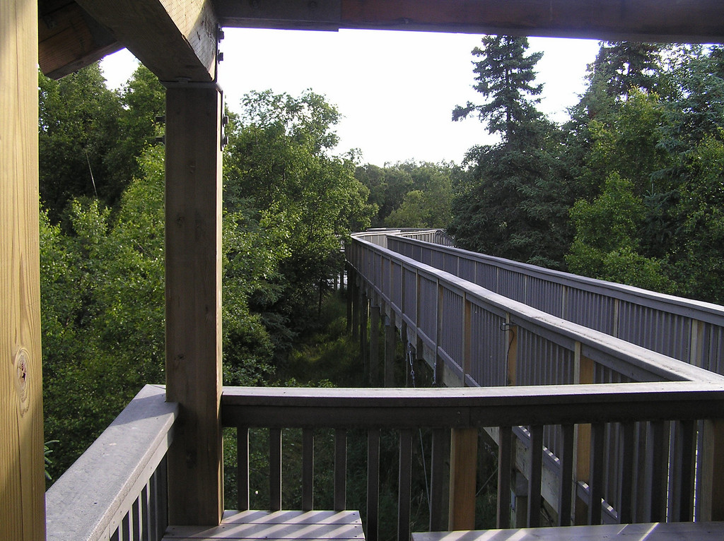 <br>Walkway to the River Viewing Platform