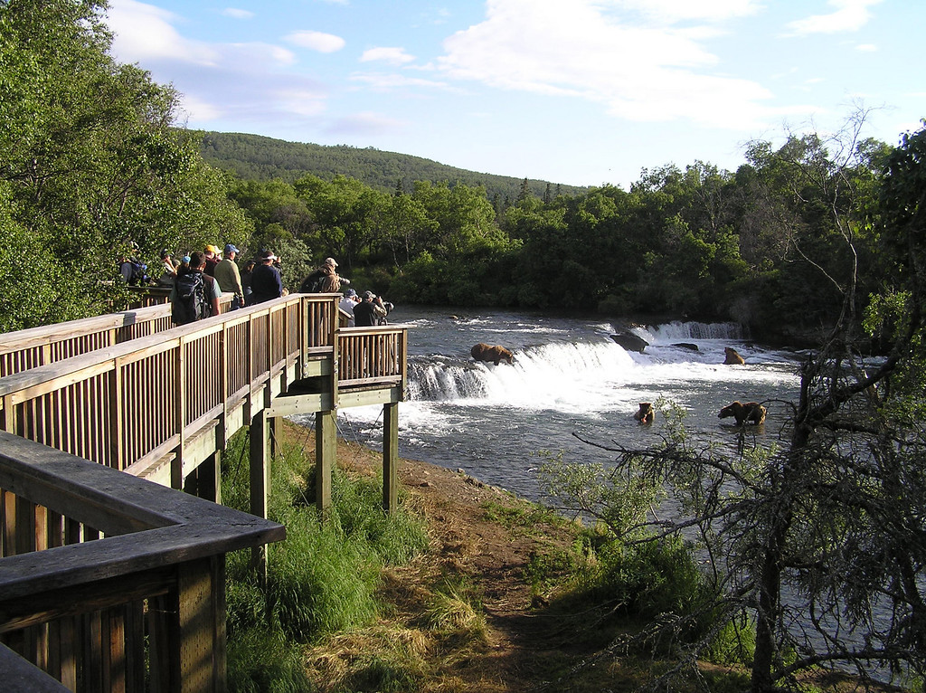 <br>Walkway to the Falls Viewing Platform