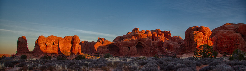 sunrise at Double Arch