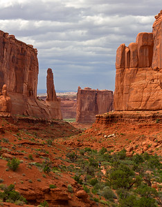 Hiking Park Avenue Trail, Arches National Park, Utah.