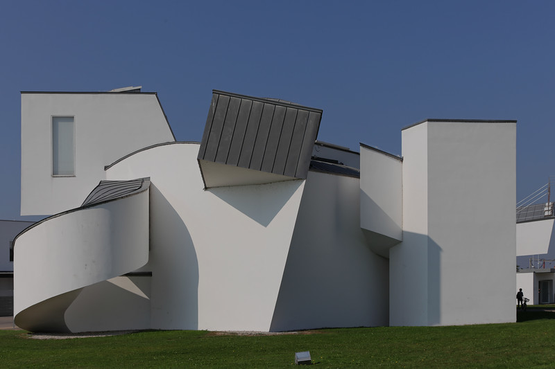 Vitra Design Museum - Frank Gehry 1989