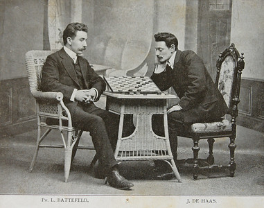L. Battefeld - J. de Haas