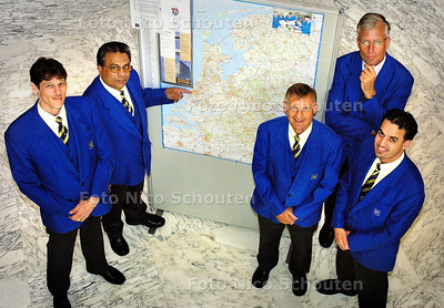 HC - BODES VAN GEMEENTE RIJSWIJK - RIJSWIJK 24 MAART 2003 - FOTO: NICO SCHOUTEN