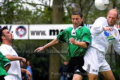 PZC (in opracht) - SCHEVENINGEN_KLOETINGE - DEN HAAG 19 APRIL 2003 - FOTO: NICO SCHOUTEN