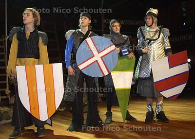 HC UIT - JEUGDTHEATER MERLIJN - DEN HAAG 9 FEBRUARI 2003 - FOTO: NICO SCHOUTEN