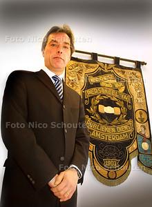 HC - PAUL KOESLAG VAN CNV - voor ambtenaren pagina - DEN HAAG 11 FEBRUARI 2003 - FOTO: NICO SCHOUTEN