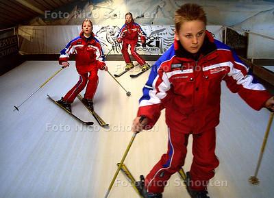 HC - INDOOR SKI DISCOVERY - VOORBURG 18 FEBRUARI 2003 - FOTO: NICO SCHOUTEN