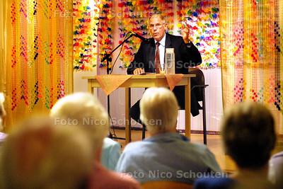 HC -SPREEKBEURT HANS DIJKSTAL - VOORBURG 14 JULI 2003 - FOTO: NICO SCHOUTEN