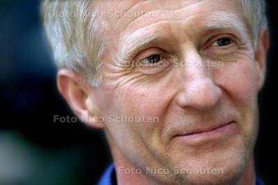 HC KUNST - CHOREOGRAAF MATS EK - DEN HAAG 5 JUNI 2003 - FOTO: NICO SCHOUTEN