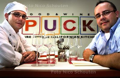 """HC - EIGENAAR VAN LIESHOUT(R) EN CHEFKOK IN RESTAURANT """"PUCK"""" - DEN HAAG 3 JUNI 2003 - FOTO: NICO SCHOUTEN"""