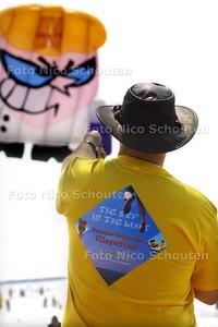 HC - VLIEGERFEEST SCHEVENINGEN - DEN HAAG 14 JUNI 2003 - FOTO: NICO SCHOUTEN