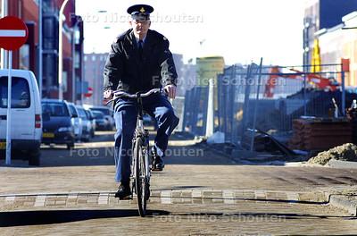 HC - HANNO KLEIN, WIJKAGENT YPENBURG - DEN HAAG 14 MAART 2003 - FOTO: NICO SCHOUTEN