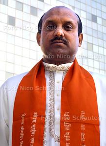 HC - HINDUPRIESTER ANAND BIERDJA - Geestelijk Hindu Verzorger - DEN HAAG 18 MAART 2003 - FOTO: NICO SCHOUTEN