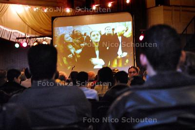 HC - PRESENTATIE LAAKLIED - Na het Laakdebat dat in de Julianakerk gehouden werd werd de Videoclip van het laaklied gepresenteerd - DEN HAAG 15 MAART 2003 - FOTO: NICO SCHOUTEN