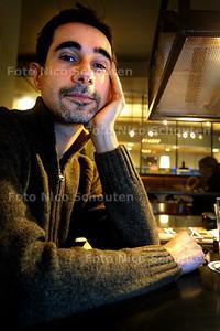 HC - SCHRIJVER TON ROZEMAN - DEN HAAG 11 NOVEMBER 2003 - FOTO: NICO SCHOUTEN
